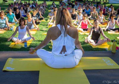 Yoga géant